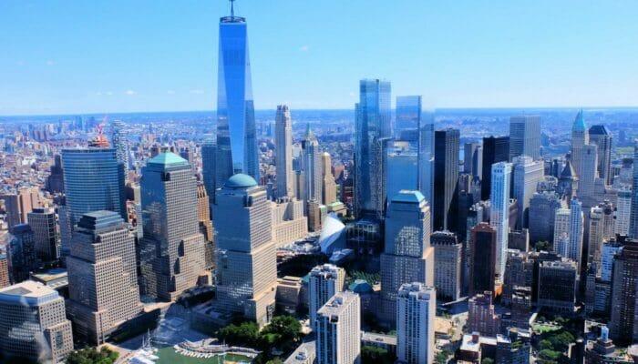Lower Manhattan und der Financial District in New York - Vogelperspektive