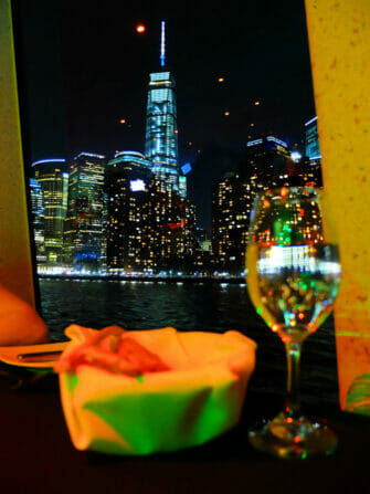 Bootstour mit Abendessen in New York - One World Trade Center