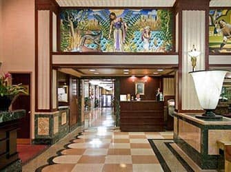 Edison Hotel in NYC - Rezeption