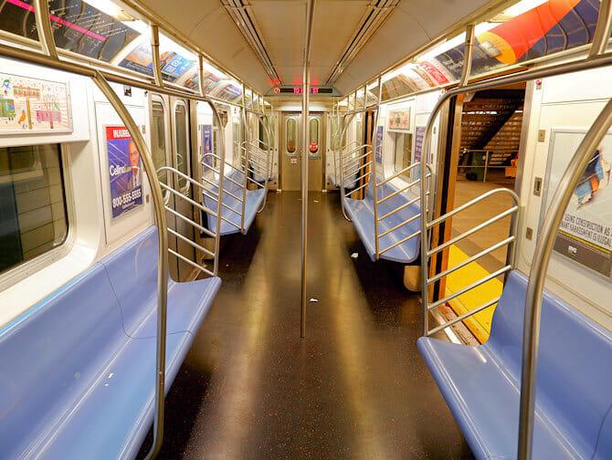 New York U-Bahn Sitzplätze