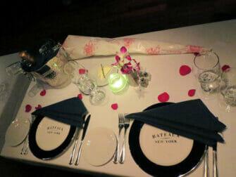 Romantische Bootstour mit Abendessen zum Valentinstag
