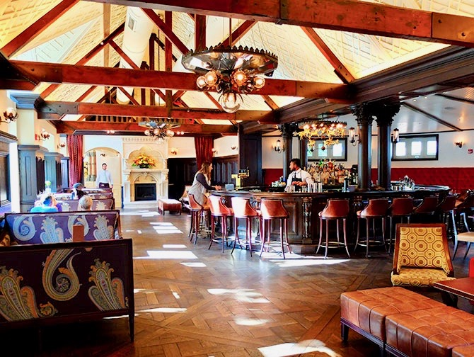 Central Park - Tavern on the Green Bar