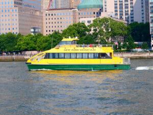 Hop on Hop off Bootstour durch den Hafen von New York
