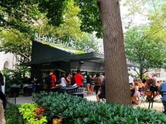 Parks in New York - Shake Shack im Madison Square Park
