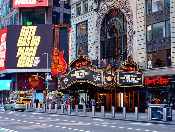 Themen Restaurants in NYC - Hard Rock Cafe