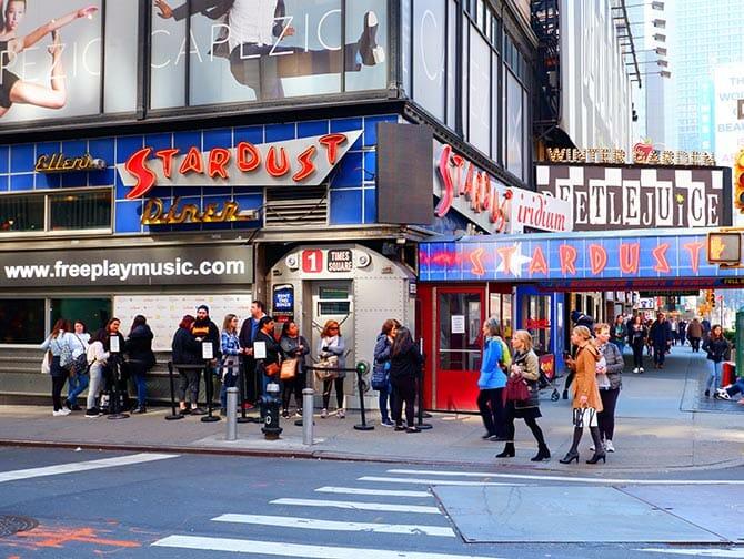 Themen-Restaurants in New York - Ellen's Stardust Diner