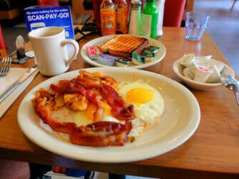 Frühstück in New York - Westway Diner Spiegeleier