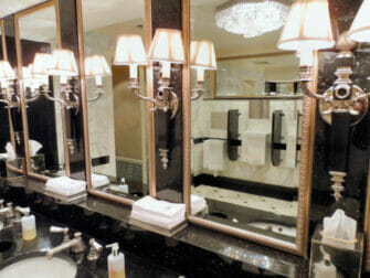 Waldorf Astoria Toilette