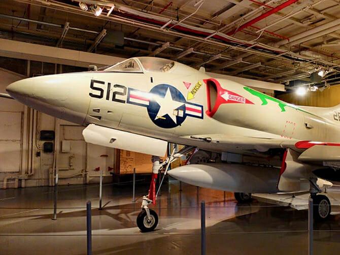 Intrepid Sea, Air und Space Museum in New York - Flugzeug