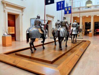 The Metropolitan Museum of Art in New York - Waffenausstellung