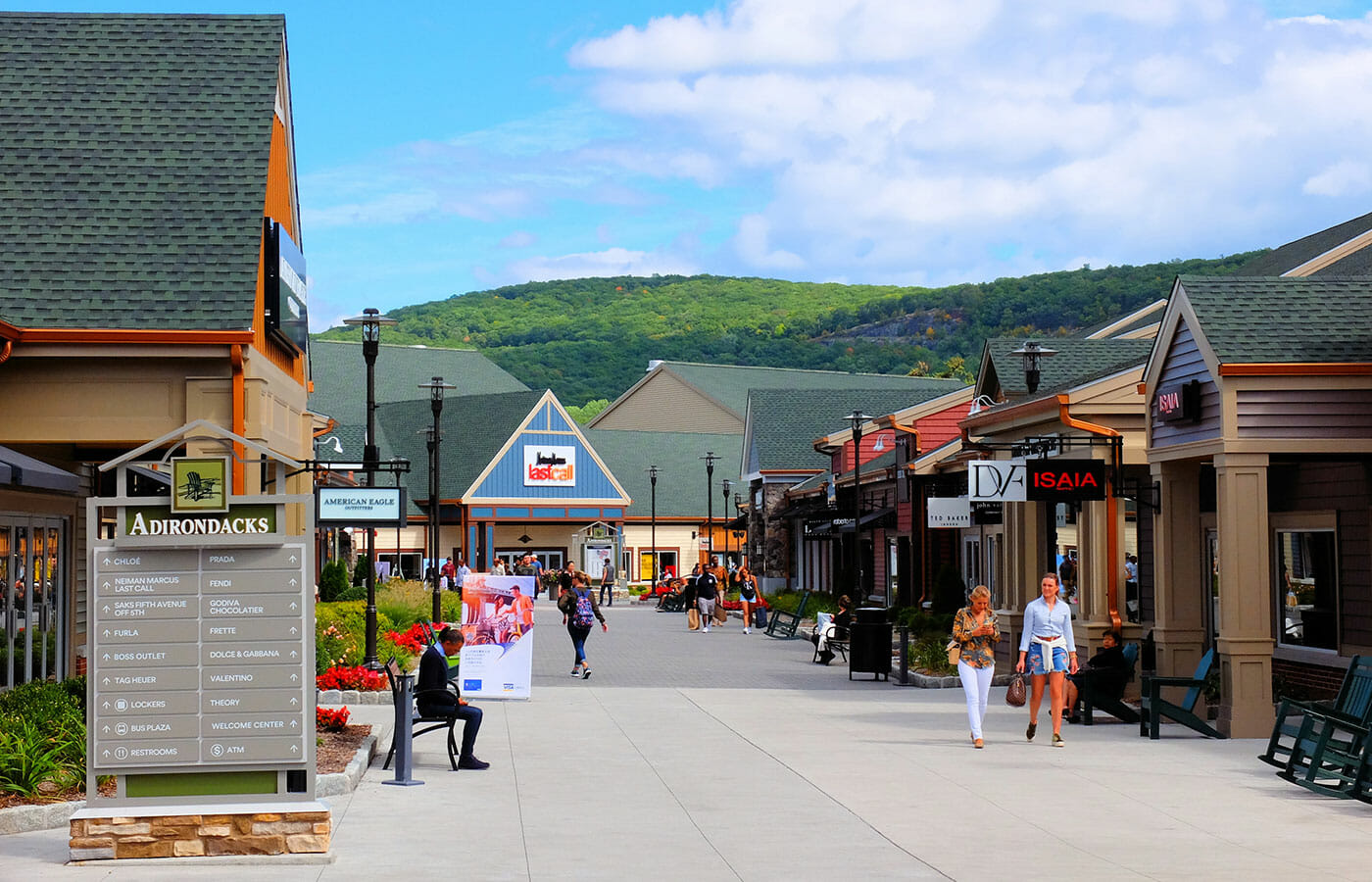 Woodbury Common Premium Outlet Center in New York - Einkaufen