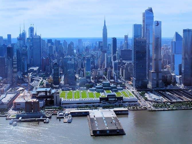 New York Helikopter-Rundflug - Über den Hudson fliegen
