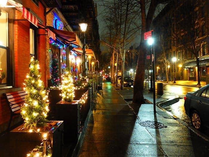 Hells Kitchen in New York - bei Nacht