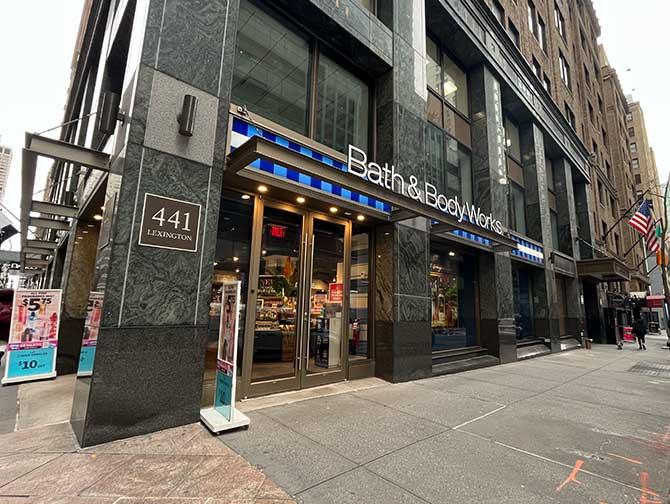 Make-up in New York - Bath & Body Works