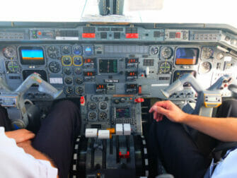 Tagesausflug zu den Niagarafällen im Privatflugzeug - Cockpit