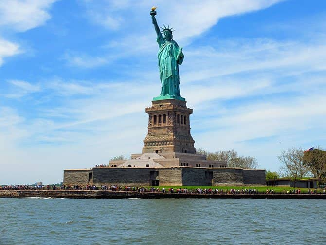 Bateaux Bootstour mit Mittagessen in New York - Freiheitsstatue