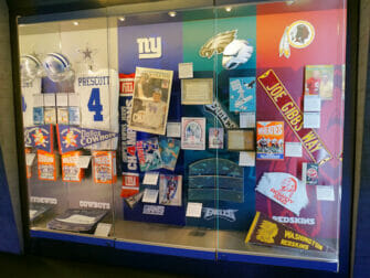NFL Experience Times Square - Ausstellungsobjekte