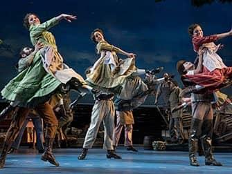 Carousel am Broadway Tickets - Ensemble