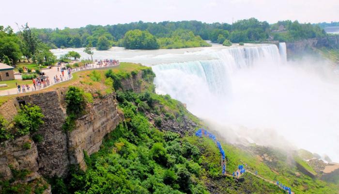 Tagesausflug von New York zu den Niagarafällen mit dem Bus - Blick vom Aussichtspunkt