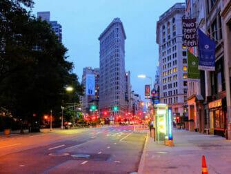 Flatiron Building in New York Flatiron Building am Abend