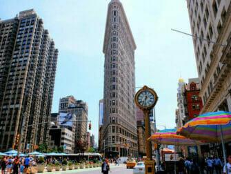 Flatiron Building in New York - Uhr beim Flatiron Building