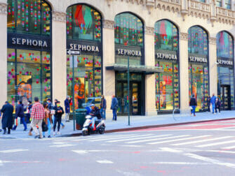 - Shoppen in der Upper East SideFifth Avenue