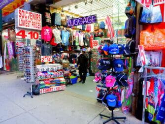 New York impft Touristen - Times Square Laden