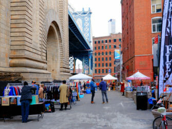 Flohmärkte in New York - Dumbo Flea Market Brooklyn