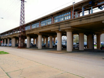 Long Island Rail Road (LIRR) in New York - LIRR Station