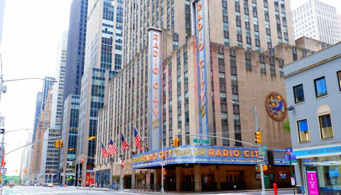 Radio City Music Hall in New York - Veranstaltungsort von außen