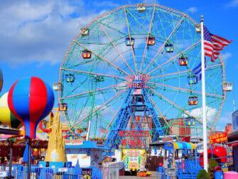 Deno's Wonder Wheel Amusement Park in Coney Island
